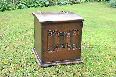 Hand carved Arts and Crafts oak coalbox box linenfold panel c.1900