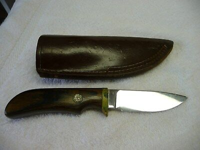 Vintage Skinner SMITH & WESSON BRAND Knife With Leather Sheath.