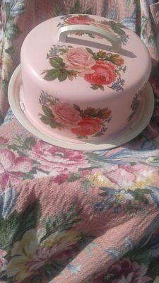 Cake Carrier*vintage*metal*shabby Cottage Chic Powder Puff Pink And White*roses