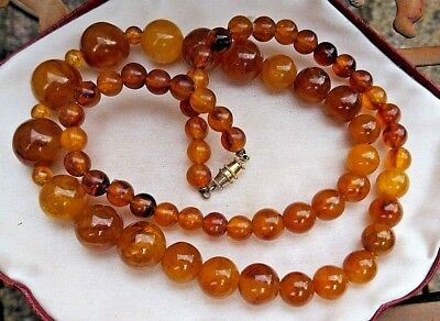 Vintage Jewellery gorgeous Amber swirl Lucite graduated bead necklace 40 - 50's