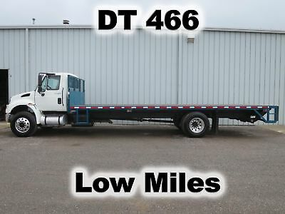 4400 Dt466 Automatic  25Ft Flat Stake Bed Body Lift Gate Delivery Haul Truck