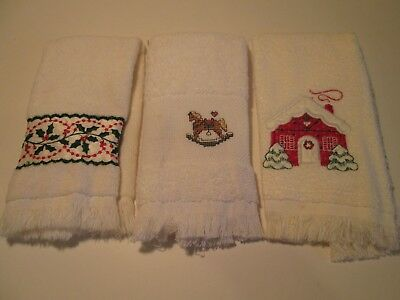 (M) Lot of 3 Christmas Theme Fingertip Towels, All Cream