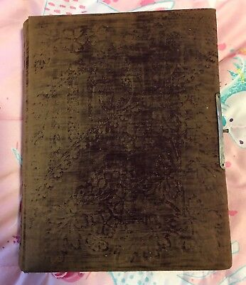 Victorian Photo Album,  Green Velvet Cover, 32 Photos Inside