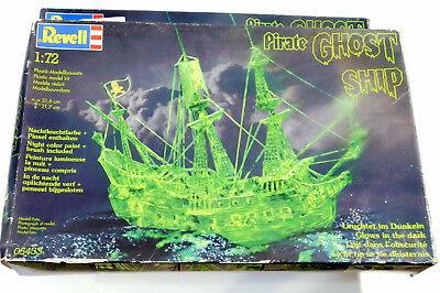 1/72 Revell  2x Pirate Ghost Ship