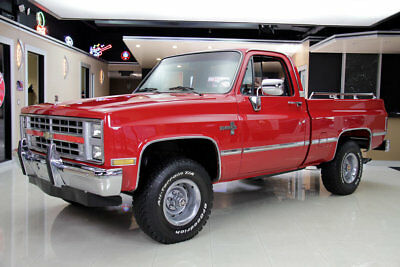 Chevrolet Silverado 4x4 Pickup Restored 4x4! GM 305ci V8, 700R4 Automatic, PB, PS, Factory A/C, Cruise Control!