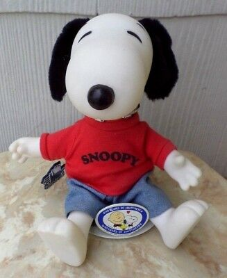 "Vtg Peanuts Snoopy Applause 9.5"" Vinyl Doll W Tag & 40 Years Of Happiness Stand"