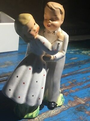 Vintage dancing couple salt pepper shakers Japan 1950s? Collectable 12cm tall
