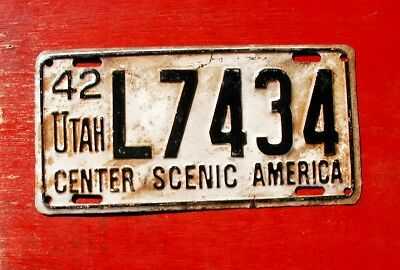 1942 Utah Original L 7434 CENTER SCENIC AMERICA  License Plate