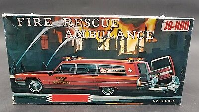 JOHAN #3 GC-500 CADILLAC AMBULANCE FIRE RESCUE IN WHITE Model Car Mountain 1/25