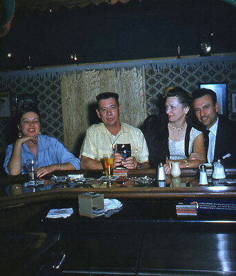 Vintage Stereo Realist Photo 3D Stereoscopic Slide Foursome VIEWING at BAR