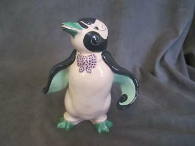 Vintage KAY FINCH - Pete Penguin Ceramic Figurine elb9