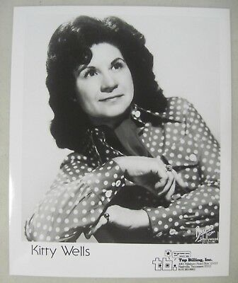 COUNTRY SINGER KITTY WELLS 8x10 PROMO PHOTO BRUNO OF HOLLYWOOD + AWARD/HIT LIST