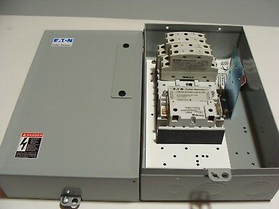 New Cutler Hammer 8 Pole Lighting Contactor ECC03C1A8A Elec Held w/ 120v coil