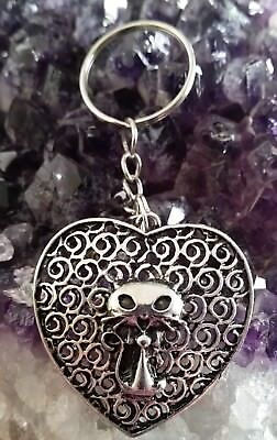 WOW - ADORABLE SILVER PLATED HEART & CAT CHARM ON KEY CHAIN plus black cord