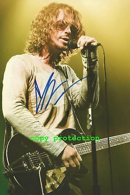 "1698 Chris Cornell, Autogramm Foto ""Nothing Compares 2 U"""