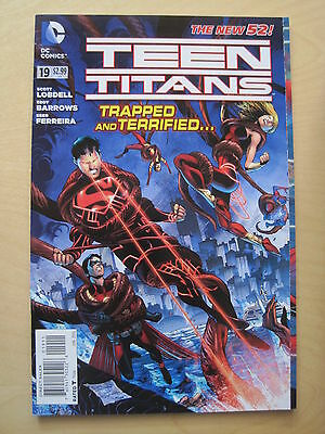 TEEN TITANS  # 19  by LOBDELL & BARROWS.    THE NEW 52 !     DC.  2013
