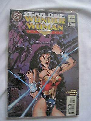 Wonder Woman  Annual # 4.  Year One. Great Cover! Dc. 1995