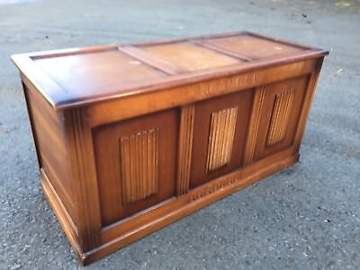Linenfold Chest C1940 (3019)