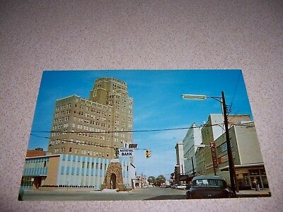 1950s BUSINESS SECTION DOWNTOWN MERIDIAN MISSISSIPPI VTG POSTCARD