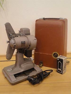 Vintage REVERE 8mm FILM PROJECTOR Model 85 & Extra Lamp