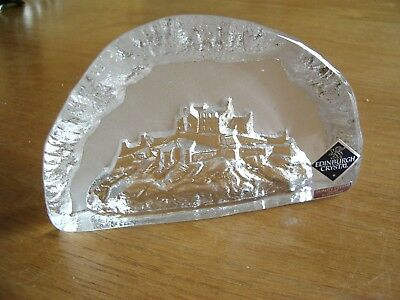 Edinburgh Quality  Crystal From Scotland Paperweight –View Of Edinburgh Castle