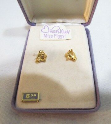 THE MUPPETS KISSY KISSY MISS PIGGY EARRINGS by HALLMARK ACCENTS UNUSED IN CASE