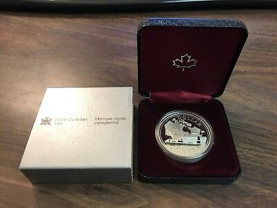 Royal Canadian Mint 1981 Canada Silver Dollar Queen Elizabeth II