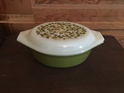Vintage Pyrex Avocado Green Verde Berry Pattern Oval Casserole Dish with Lid