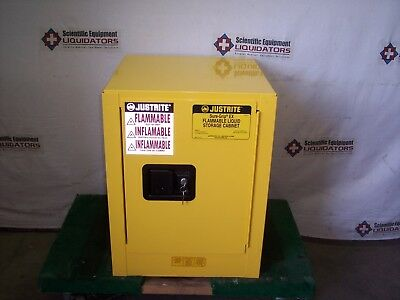 Justrite 890400 Yellow 4 Gal Sure-Grip Ex Flammable Safety Cabinet