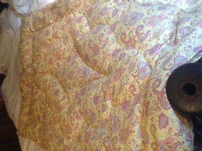Vintage Paisley Feather Eiderdown Approx 60 X 40nches