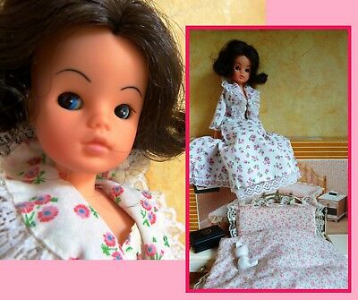 Pedigree Sindy doll, vintage, sweet dreams, bed, boxed, good morning outfit.