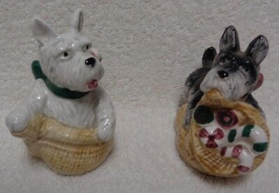 Scotty Scottie And Westie Christmas Sack   Salt And Pepper Shakers