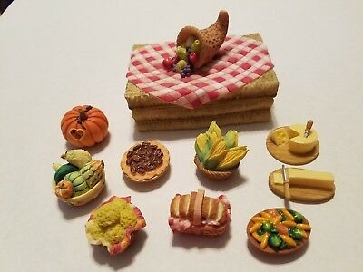 Enesco Mary's Moo Moos Assorted Thanksgiving Mini Figurines - Lot of 10