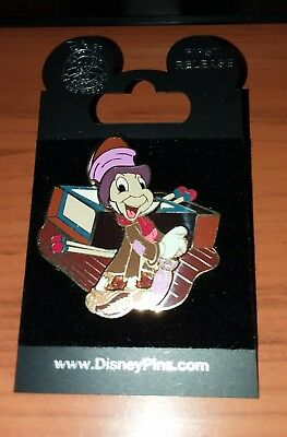 2009 JIMINY CRICKET Pin Jiminy in Rags - MINT ON CARD