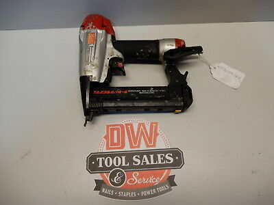 Max 18 Gauge Stapler 1/4″ Crown Stapler Staple Gun (USED)