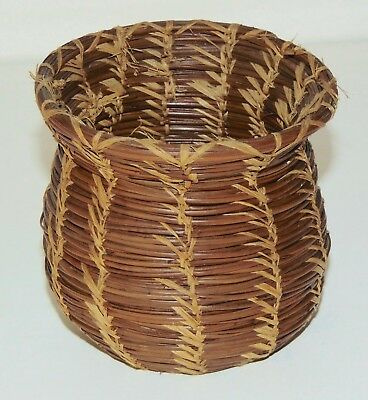 ANTIQUE NATIVE AMERICAN Small Indian Basket INTERESTING PATTERN!