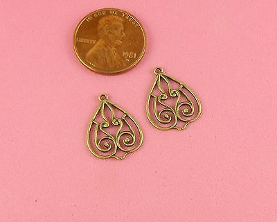 ANTIQUE BRASS HEART SHAPED FILIGREE CONNECTOR - 2 PC(s)