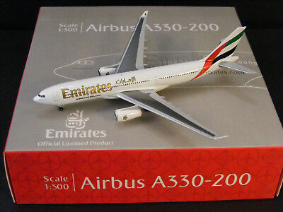 """Emirates Airbus A330-200 """"A6-EAS"""" Herpa 514132-001 1:500 NG"""