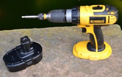 DeWALT DC725 CORDLESS 18V COMBI DRILL WITH BATTERY