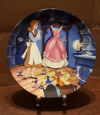 """Disney Cinderella Collector Plate """"A Dress for Cinderelly"""" by Knowles"""