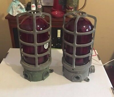 2 RAB Electric 3 Inch Red Globe Aluminum Cage Explosion Vapor Proof Lights