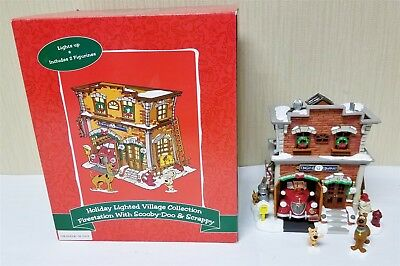 Warner Bros Looney Tunes Village Lighted Firestation W/ Scooby Doo & Scrappy