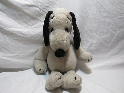 """1968 Vintage Peanuts Snoopy  Plush Doll United Feature Syndicate Inc 20"""" Tall"""