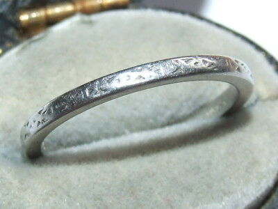 Superb, 1930`s Art Deco Solid Platinum Band / Wedding Ring, Lovely Example!