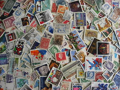 Canada colossal mixture (duplicates,mixed cond) 1000 laid out35%comems,65%defins