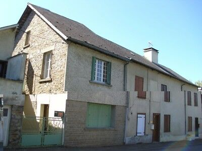 Property Overseas France Corrèze Chamboulive, lovely townhouse