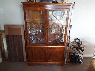 Top Quality Yew Wood Astral Glazed China Cabinet Display Case With Cupboard
