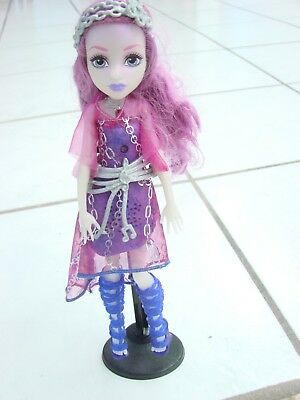 Monster High Doll Ari hauntington Needs batteries, singing light up doll