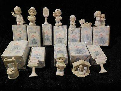 12 Precious Moments Sugar Town Figurines / Accessories / Signs, Etc... / Lot #34
