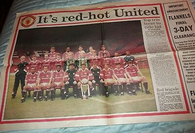 Manchester United 1991 Souvenir Team Photo Double Page Spread.